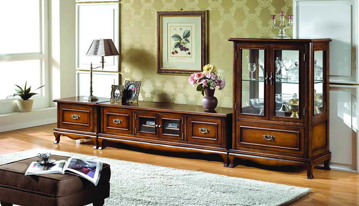 antique approach for the TV display unit